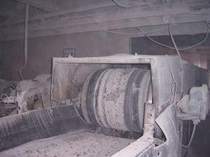 шкивной железоотделитель в работе